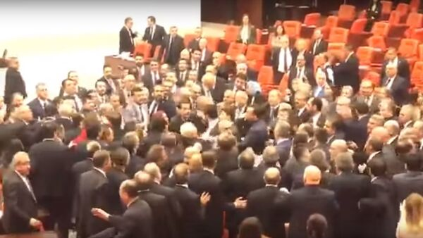 Turkey's Parliament In Chaos Over It's Historic Defeat and Humiliation in Syria and Libya 4/3/2020 - Sputnik Узбекистан
